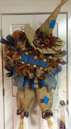 Fall Scarecrow Wreath by HighMaintenanceDes on Etsy Fall Crafts, Halloween Crafts, Holiday Crafts, Halloween Wreaths, Halloween Door, Manualidades Halloween, Adornos Halloween, Thanksgiving Wreaths, Thanksgiving Decorations