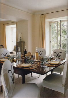 Most of the articles surround the sale of Bunny Mellon's estate at Sotheby's mention her relationship with Hubert de Givenchy. He was not only her go to designer but also a good friend. So much so that he had a bedroom in his Cap Ferrat home dubbed the Bunny guest room, above. Clos de Fiorentina has […]