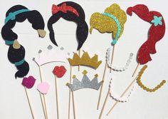 Ideas party ideas disney princess photo booth props for 2019 Photos Booth, Photo Booth Props, 4th Birthday Parties, 3rd Birthday, Birthday Ideas, Birthday Images, Happy Birthday, Princesse Party, Disney Princess Birthday Party