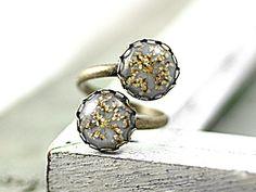 Villa Sorgenfrei Schmuckmanufaktur - Double pad ring with queen anne's lace in grey