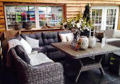 Lekker sfeervol tafelen... de mooiste tuinmeubelen vind je bij Intratuin Cruquius!