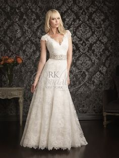 I think I am in love with Allure designs!   Allure Bridal Spring 2013 - Style 9016
