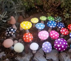 Making a Children's Fairy Garden – How to Make an Enchanted Garden For Your Kids! Fairy garden ideas - oh my gosh! Fairy Garden Houses, Gnome Garden, Garden Art, Fairy Gardens, Miniature Gardens, Fairy Mermaid, Garden Mushrooms, Fairy Village, Fairy Doors