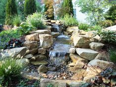 #Bachlauf #Garten japanischer Garten Naturlook #Ideen Waterfall Design, Garden Waterfall, Outdoor Water Features, Water Features In The Garden, Dry Creek, House Landscape, Landscape Architecture, Yard Design, Rock Fountain