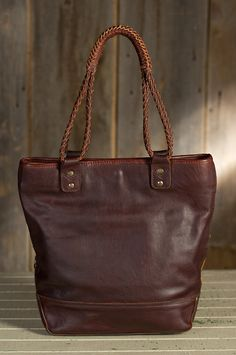 Will Kuba Leather Tote Bag | Overland Sheepskin