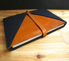 "#MacBook Pro #Sleeve By TheNavis – $98 / This MacBook Pro Case of the ""Rough Edge"" collection is individually hand crafted from the finest vegetable tanned genuine leather and high quality wool felt. http://thegadgetflow.com/portfolio/macbook-pro-sleeve-by-thenavis-98/"