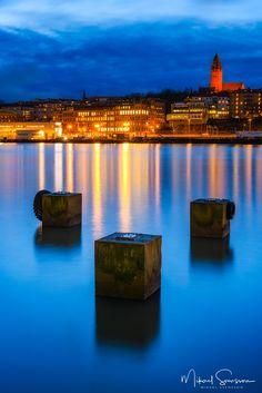 Göta Älv, Göteborg, Sweden. 29 November 2017. Kingdom Of Sweden, Gothenburg, Stockholm, Scandinavian, Cities, November, Hat, Urban, Country