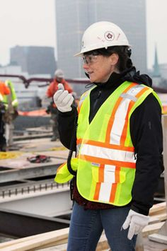 Option Femmes Emploi is receiving $233,500 for a 36-month project to promote the recruitment and retention of female construction workers in the Outaouais region.