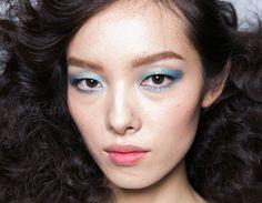 50 Tons de azul: cor domina beleza da semana de moda de Nova York