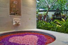 How relaxing...Villa Indah Manis in Pecatu, http://www.villa-bali.com/en/villa/pecatu/indah-manis-main-house