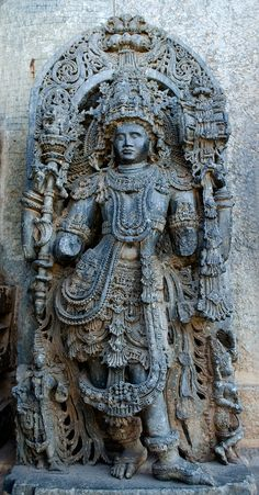 Hoysaleswara with broken hands - Hoysaleswara Temple - Wikipedia Human Sculpture, Buddha Sculpture, Art Sculpture, Sculptures, Temple India, Indian Temple, Buddha Painting, Radha Krishna Images, Spaceship Concept
