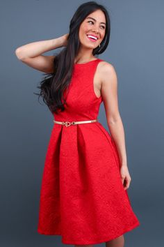 This red brocade holiday dress is the perfect dress for christmas! #partydress #holiday #holidaydress #christmasdress