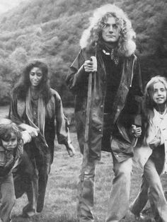 Robert with then-wife Maureen and their children, the late Karac Pendragon and daughter Carmen Jane.