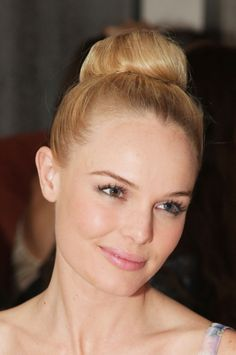 Musa do dia – Kate Bosworth « Dia de Beauté on We Heart It Side Ponytail Hairstyles, Side Ponytails, Straight Hairstyles, Cool Hairstyles, Kate Bosworth, Ballerina Hair, Wedding Guest Hairstyles, Hair Trends, Her Hair