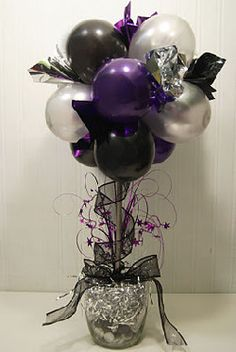 NYE Balloon Centerpiece