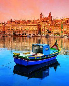 """Luzzu"", bateau traditionnel maltais."