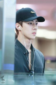 Sehun - 160828 Incheon Airport, departing for Hawaii Credit: Oh! Chanyeol, Kyungsoo, Tao Exo, Hunhan, Do Kyung Soo, Kim Jong In, Exo Members, Yixing, Airport Style