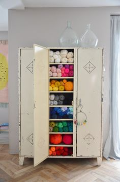 Do you have an overwhelming yarn stash? We take a look at 12 ways to organize your yarn stash so your supplies aren't taking over the house. Knitting Room, Knitting Yarn, Craft Room Storage, Locker Storage, Diy Yarn Storage Ideas, Repurposed Lockers, Yarn Organization, Ideas Para Organizar, Yarn Stash