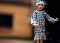 Process: Marionettes With Geahk Burchill on Etsy. This a great vid on the process of making a marionette.
