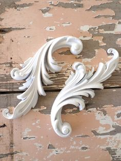 Shabby n Chic Architectural Carved Scrolls FLEXIBLE by diychicgirl Shabby Chic Homes, Shabby Chic Style, Shabby Chic Decor, Design Furniture, Diy Furniture, Garden Furniture, Furniture Stores, Luxury Furniture, Decorating Your Home