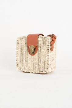 Olive - Buckle Straw Bag, Beige, £45.00 (https://www.oliveclothing.com/p-oliveunique-20170403-029-beige-buckle-straw-bag-beige)