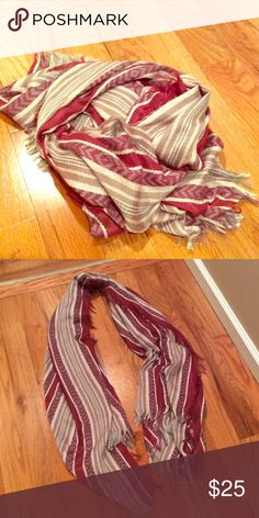 Scarf✨ Tan, cream, and maroon scarf Accessories Scarves & Wraps