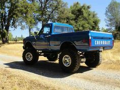 This would be a sweet ride 67 72 Chevy Truck, Chevy 4x4, Lifted Chevy Trucks, Classic Chevy Trucks, Gm Trucks, Chevy Pickups, Chevrolet Trucks, Cool Trucks, Pickup Trucks