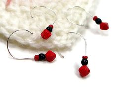 Add some fun to your #crochet projects! Removable Stitch Markers #Crochet Red Black Snag Free by TJBdesigns
