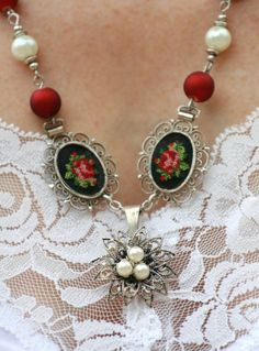 Vintage Cross Stiched Red Rose Neklace.