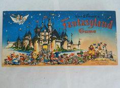 Vintage-1956-Walt-Disneys-Fantasyland-Board-Game-Complete-Tea-Party-Flying-Dumbo