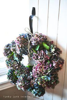 A hydrangea wreath in 5 minutes! via Funky Junk Interiors