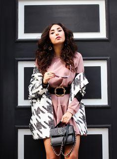 pink sweater dress outfit waist belt fall trend autumn outfit preppy style blogger fashionblogger mode blog samieze berlin