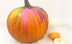 Tired of carving pumpkins? Tired of being elbows deep in pumpkin goop? Then this is the DIY for you. All you need is an old box of crayons, a hair dryer, a Carving Pumpkins, Pumpkin Carving, All You Need Is, Trendy Halloween, Old Boxes, Diy Pumpkin, Melting Crayons, Tired, Easy