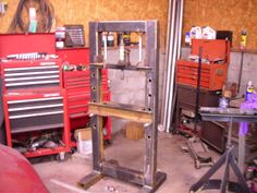 Homemade shop press constructed from steel tubing. Garage Tools, Garage Plans, Garage Storage, Custom Metal Fabrication, Welding And Fabrication, Metal Projects, Welding Projects, Shop Press, English Wheel