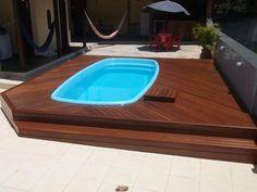 http://decoracao.novidadediaria.com.br/wp-content/gallery/piscinas-de-fibra-com-deck-de-madeira/piscinas-de-fibra-com-deck-de-madeira-13.jpg
