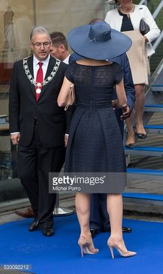 Queen Maxima Photos - Queen Maxima of The Netherlands leaves after baptizing the cruise ship MS Koningsdam on May 20 2016 in Rotterdam Netherlands. - Queen Maxima Of The Netherlands Batizes Cruise Ship MS Koningsdam Royal Clothing, Short Dresses, Dresses For Work, Royal Dresses, Mature Fashion, Mom Dress, Gowns Of Elegance, Queen Maxima, African Fashion Dresses