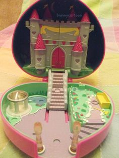 Vintage 90s Polly Pocket Starlight Castle by  bunnycartoon on Etsy  Vintage?! I had one of these. Yes, I got it at a second hand store, but i had one and loved it.