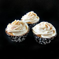 White Russian Cupcakes...booze AND cake? I'm in...