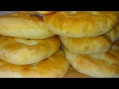 Naan Flatbread, Torte Recepti, Homemade Dinner Rolls, Quiche Lorraine, Garlic Bread, No Bake Cake, Baking Recipes, Good Food, Food And Drink