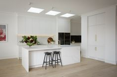 Real reno: This Melbourne overhaul is a riot of texture - The Interiors Addict New Kitchen, Kitchen Decor, The Block Kitchen, Granite Kitchen, Kitchen Layout, Kitchen Ideas, Küchen Design, Interior Design, Design Ideas