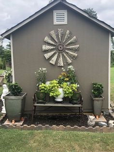 Simple And Small Front Yard Landscaping Ideas (Low Maintenance) Add value to your home with best front yard landscape. Explore simple and small front yard landscaping ideas with rocks, low maintenance, on a budget. Shed Landscaping, Small Front Yard Landscaping, Front Yard Design, Small Front Yards, Front Yard Decor, Corner Landscaping Ideas, Front Yard Ideas, Florida Landscaping, Diy Yard Decor