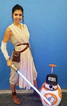 The best Disney costumes from WonderCon 2016   Rey from Star Wars: The Force Awakens cosplay   [ https://style.disney.com/news/2016/03/29/wonderful-disney-costumes-from-wondercon-2016/ ]