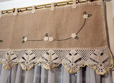 Bandô para cortina em juta