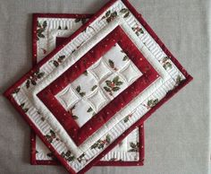 Christmas placemats - quilted placemats - red and white placemats - christmas table mat - set of 2 placemats - patchwork placemats White Placemats, Table Runner And Placemats, Quilted Table Runners, Quilt Placemats, Christmas Patchwork, Christmas Sewing, Christmas Crafts, Christmas Quilting, Red Christmas