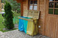 Drewniane stojaki na worki na śmieci