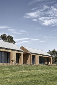 Exterior, Metal Roof Material, Gable RoofLine, Wood Siding Material, and House Building Type The residence is comprised of two rural-style pavilions that are connected and clad in Blackbutt eucalyptus timber. Modern Barn, Modern Farmhouse, Shed Homes, House Goals, Exterior Design, Building A House, House Design, House Styles, Wood Siding