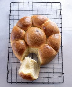 Delicious brioche recipe by Paul Hollywood of The Great British Bake Off - achica living British Baking Show Recipes, British Bake Off Recipes, Baking Recipes, Dessert Recipes, Bread Recipes, Brioche Recipe, Brioche Bread, Homemade Brioche, Brioche Rolls