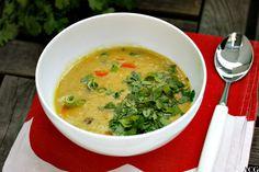 En tykk, kremaktig linsesuppe med deilige asiatiske smaker av kokos, karri og sitrongress. Sabla god suppe som metter og varmer godt. Curry, Ethnic Recipes, Food, Cilantro, Curries, Essen, Meals, Yemek, Eten