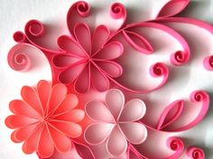 paper craft quilling designs can be kept simple but we can make sure that it can be pretty complicated as well. It seems that paper quilling brings th. Quilling Videos, Origami And Quilling, Quilled Paper Art, Quilling Paper Craft, Quilling Techniques, Quilling Flowers, Diy Paper, Paper Flowers, Paper Crafts