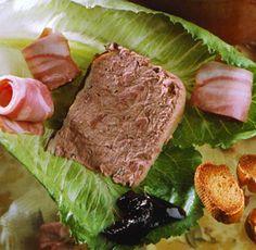 Paté de campiña con salsa 'cumberland'